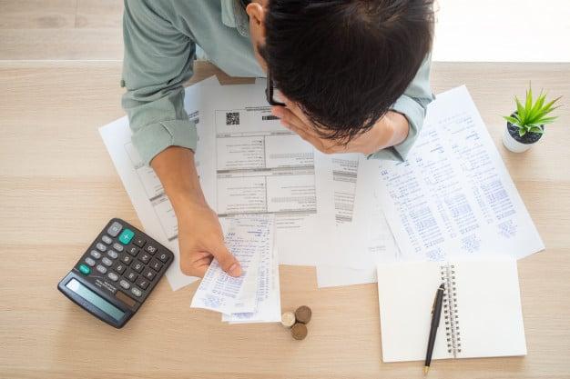 Bùng nợ FE Credit do sự chủ động của người vay.